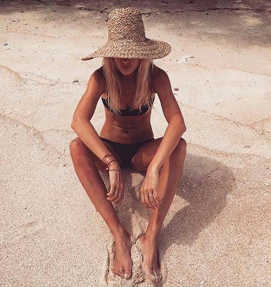Slunce, písek a moře. Tak tráví podzim Zuzana Stráská.
