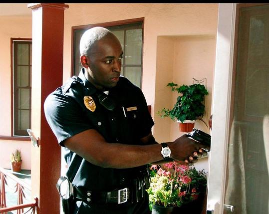 Michael Jace v seriálu Policejní odznak.