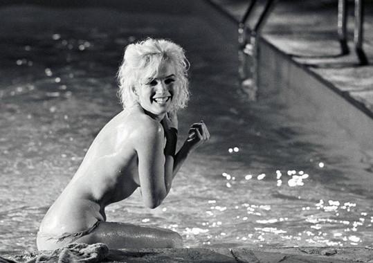 Své nejodvážnější scény odskákala Marilyn teplotou a infekcí...