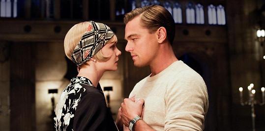 Carey a Leonardo ztvárnili milenecký pár.