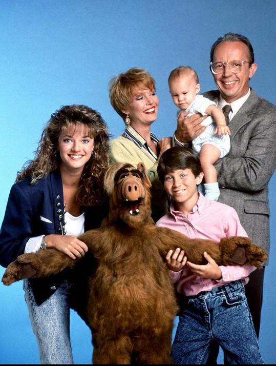 Max Wright (vpravo) v seriálu Alf, kde hrál otce Willieho Tannera.