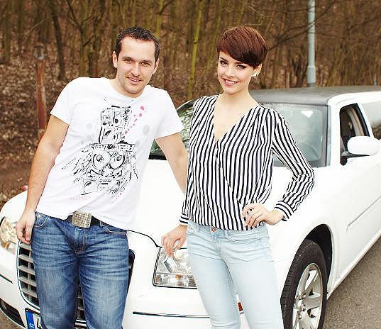 Gabriela Kratochvílová zapózovala s moderátorem Mírou Hejdou.