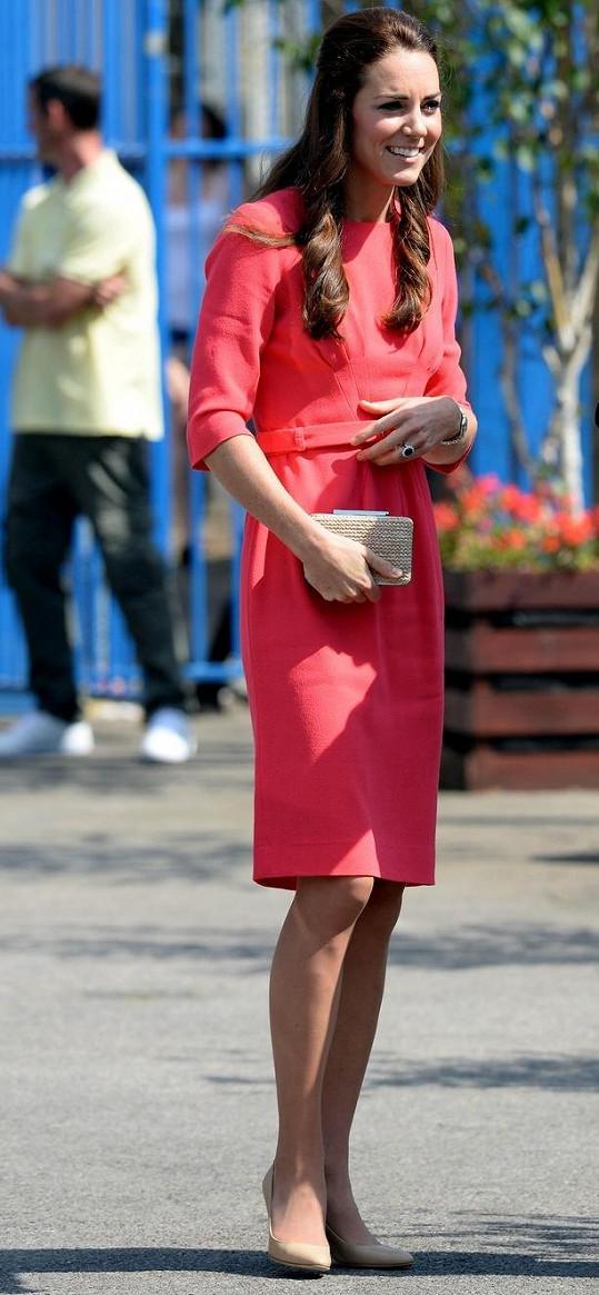 Vévodkyně z Cambridge na fotografii z července letošního roku, kdy už pravděpodobně věděla, že je těhotná.