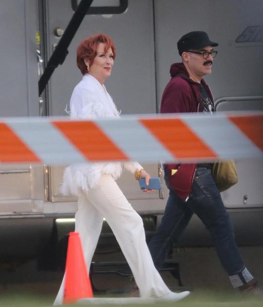 Meryl Streep bude v nové roli s červenou kšticí.