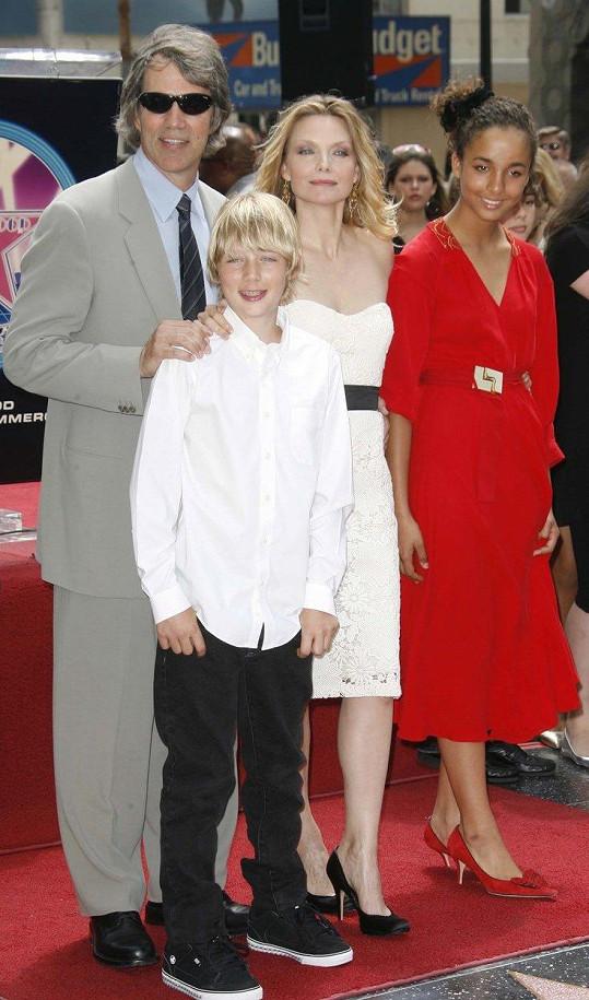 Pfeiffer s manželem a dětmi na archivním snímku (2007)