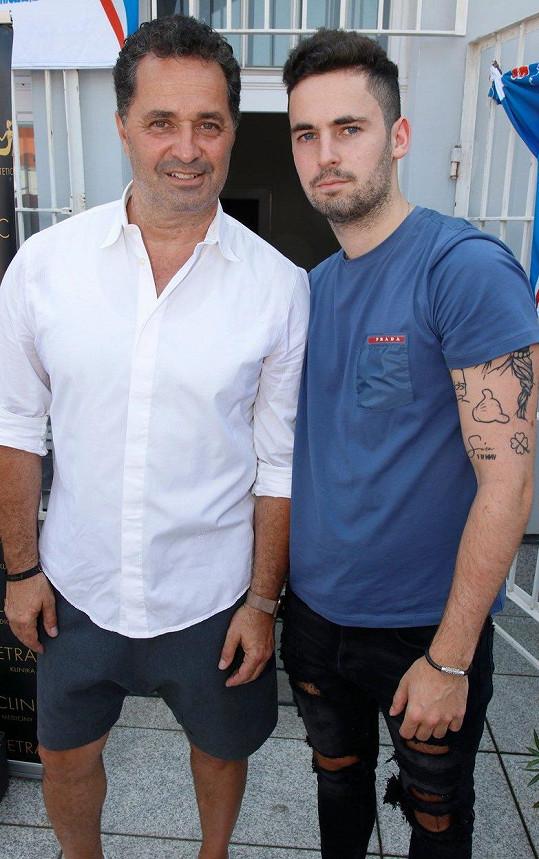 Martin Dejdar vzal s sebou syna na dobročinnou akci.