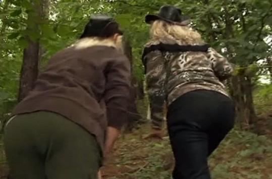 Katarina a Libuška v lese