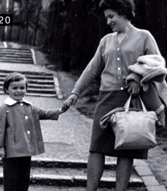 Jitka Sedláčková s maminkou (1967)
