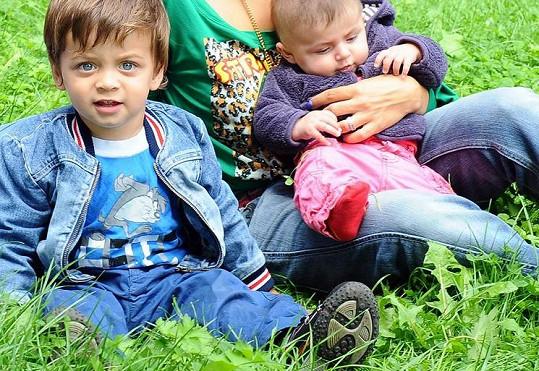 Děti Evy Decastelo Michael a Zuzanka.
