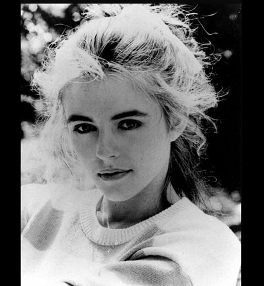 Elizabeth Hurley v době, kdy jí bylo 19 let.