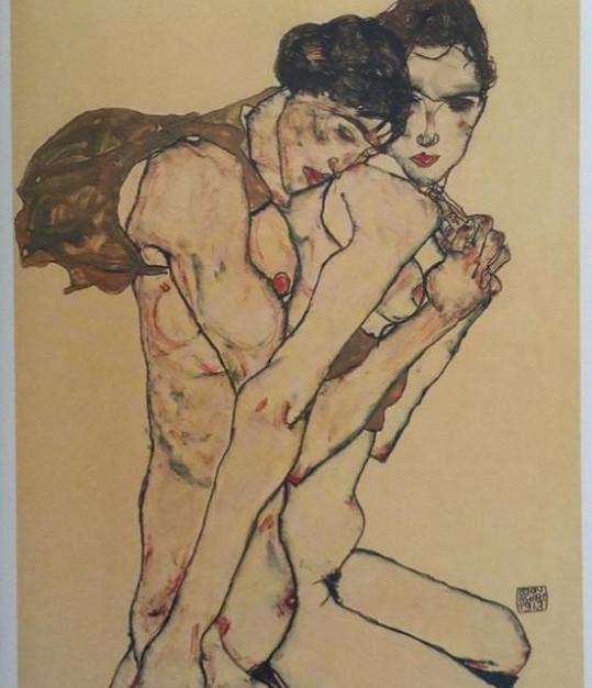 Modelčiny kresby nezapřou jako inspiraci Egona Schieleho.