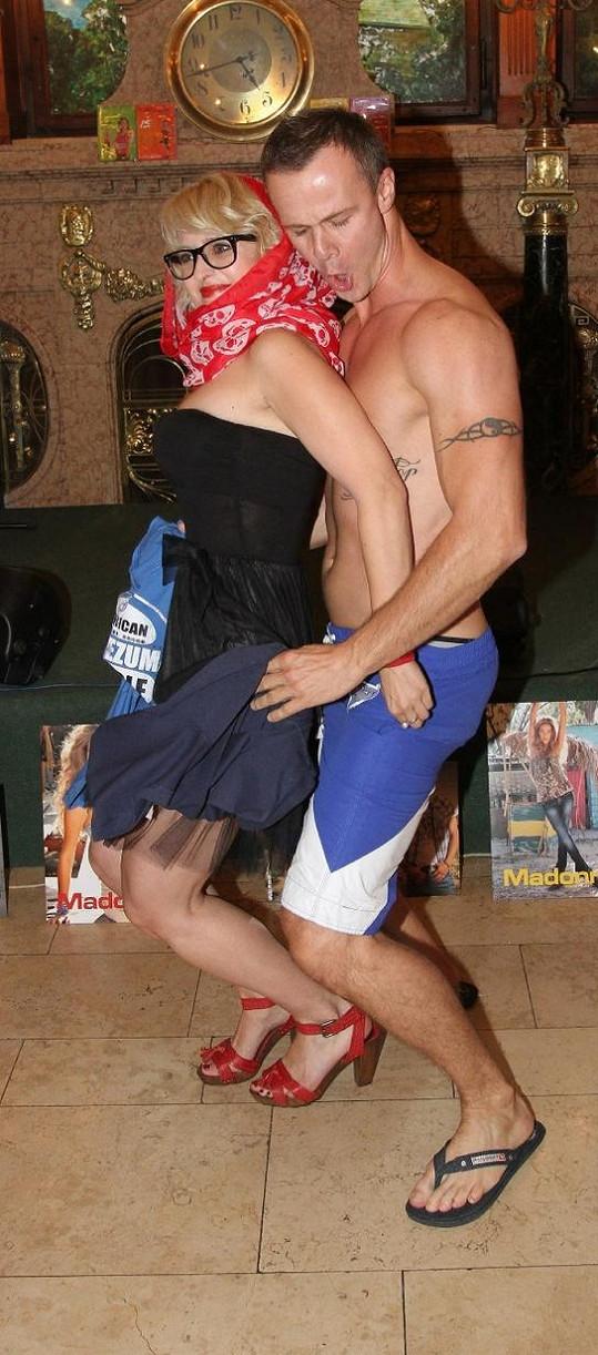 Divoký tanec Braňa a Milušky.