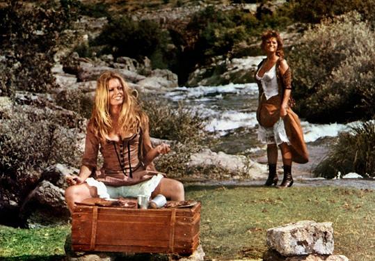 Druhou hvězdou filmu Petrolejářky (1971) byla Claudia Cardinale