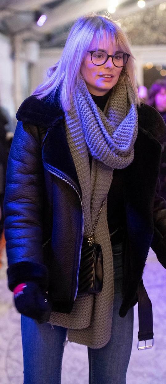 Modelka Rhian Sugden čelí internetové šikaně.