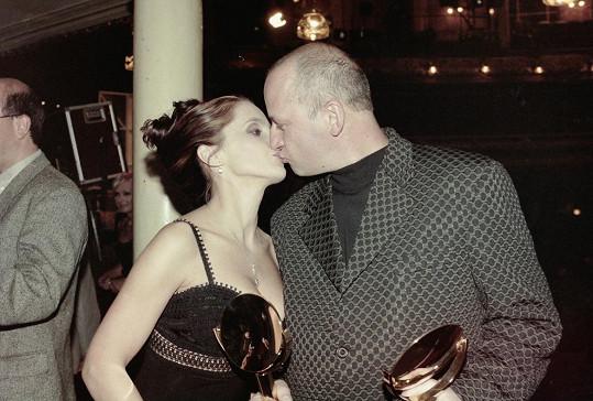S podnikatelem Petrem Kratochvílem žila v 90. letech. Mají spolu syna Filipa.