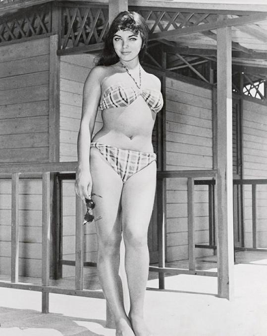 Takhle vypadala Joan na svých prvních oficiálních fotkách pro společnost Twenty Century Fox.