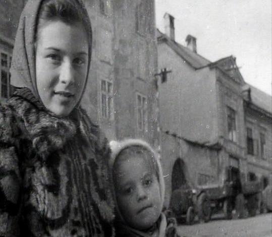 Emílie Vášáryová se dodnes věnuje herectví, její sestra Magda se naplno vrhla do politiky.