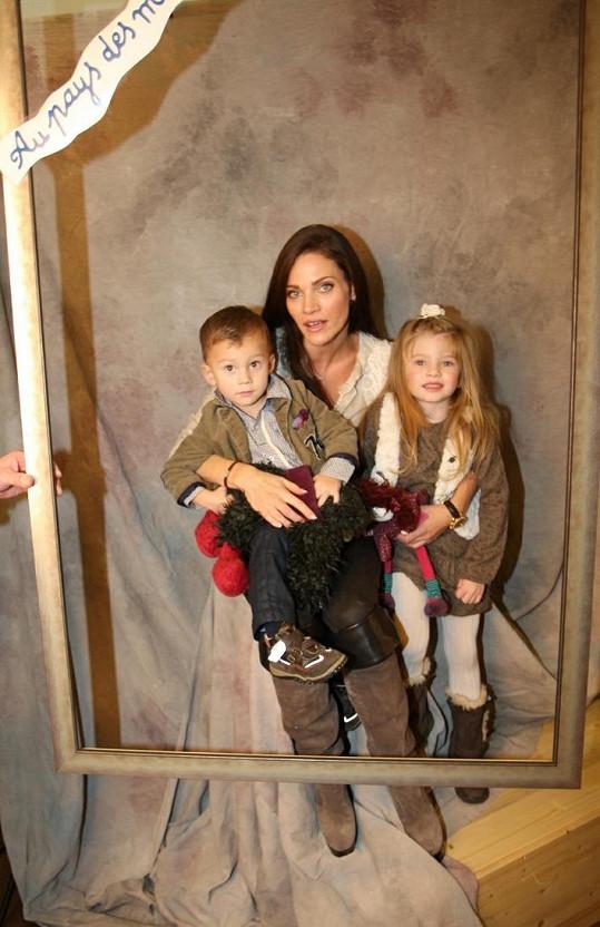 Děti Verešové prý vypadaly na každé fotce lépe než maminka.