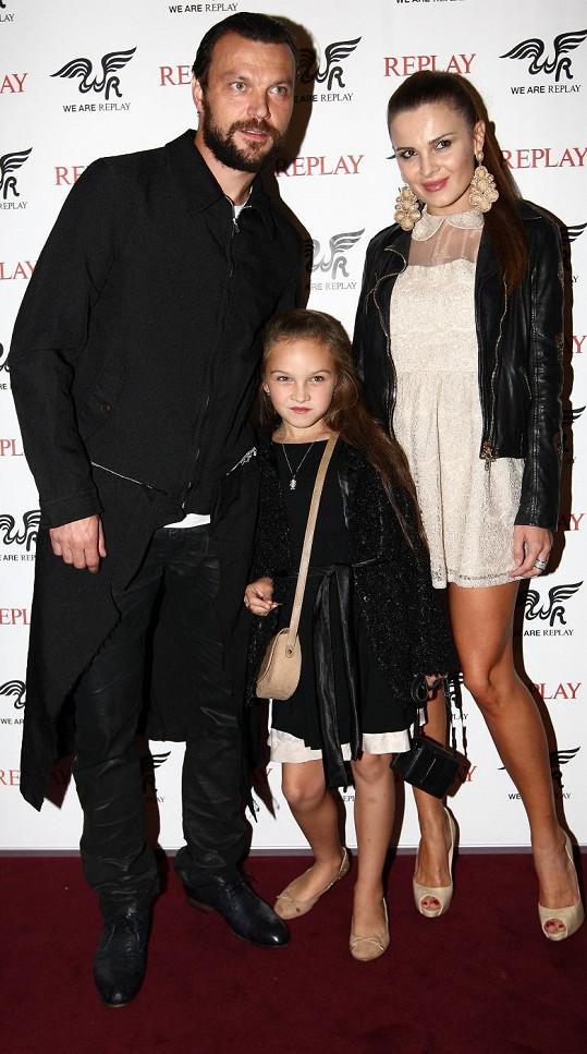 Tomáš Ujfaluši s exmanželkou a dcerou