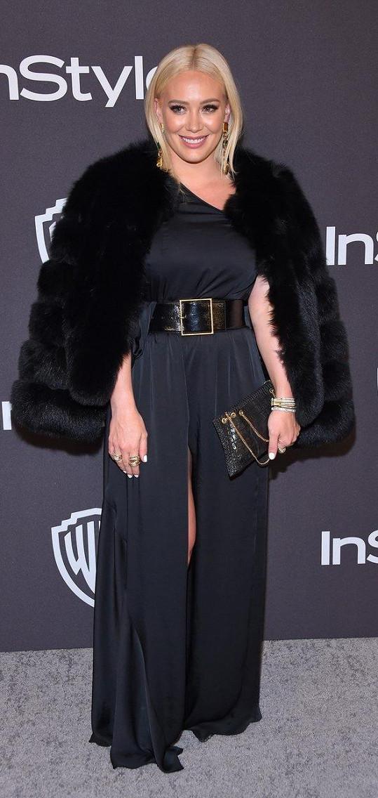 Hilary Duff (157 cm)