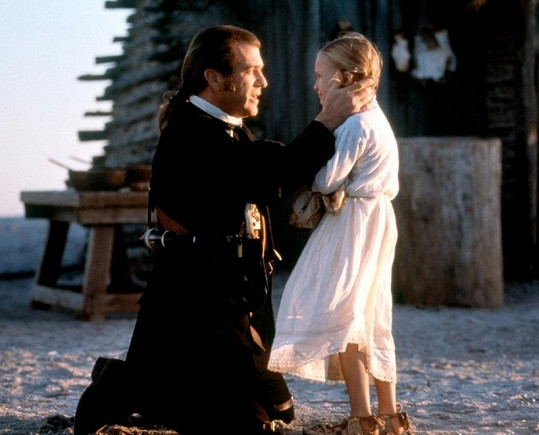 Už v osmi letech si zahrála ve filmu Patriot dceru Mela Gibsona.