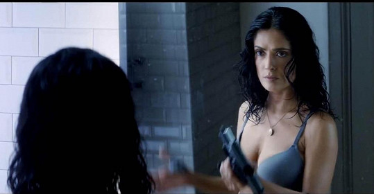 Salma Hayek ve filmu Everly