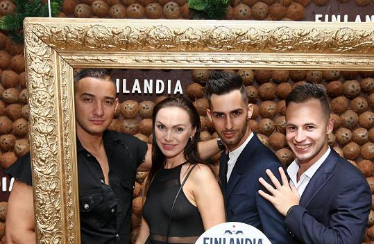 Společné foto s kamarády, zpěvákem Vojtou Šenkýřem a Járou Bourou