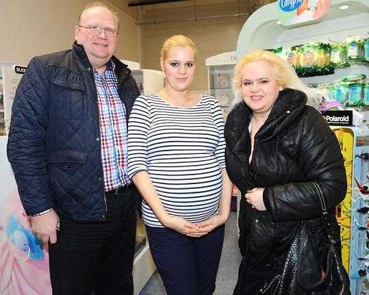 Ornella s rodiči.