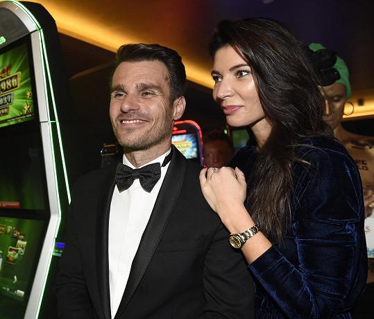 Leoš Mareš a Monika Koblížková už jsou manželé.