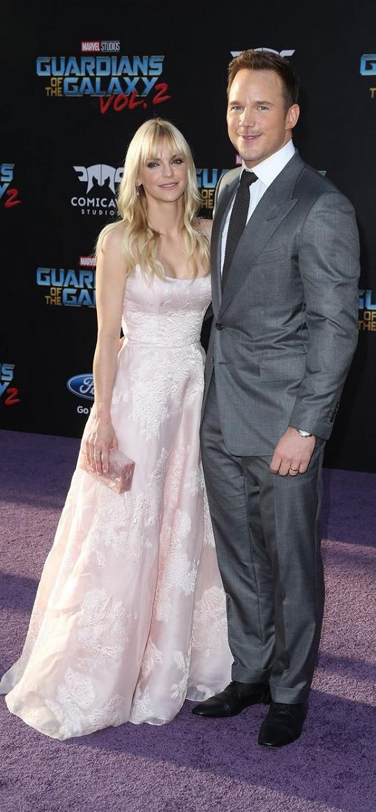S druhým exmanželem Chrisem Prattem má syna Jacka.