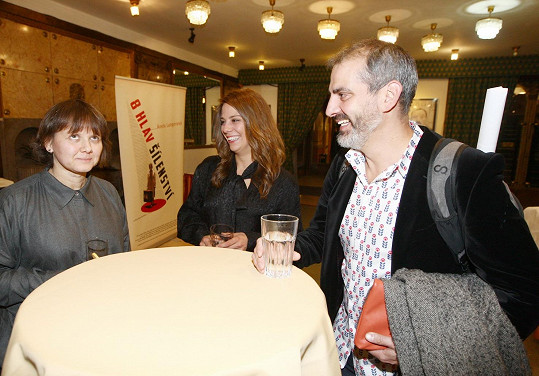Aneta Langerová s Martou Novákovou a bratrem Nikolou
