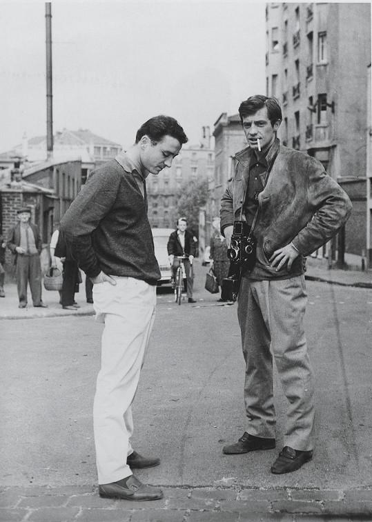 Jean-Paul Belmondo při natáčení filmu Les Distractions (1960)