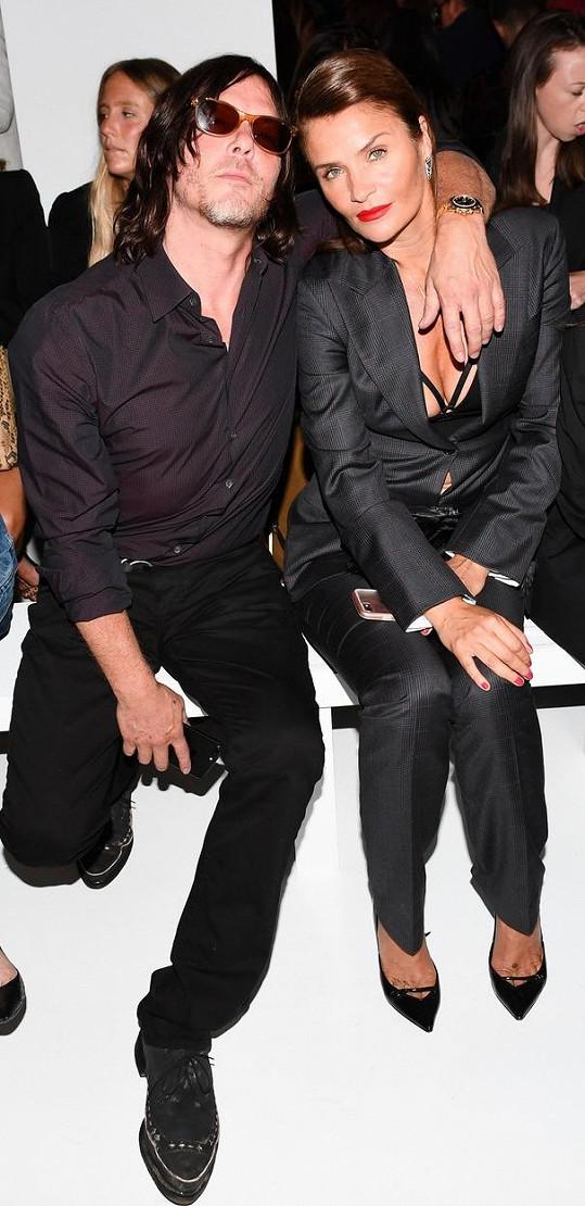 Otcem Minguse je herec Norman Reedus. S Christensen se rozešli v roce 2003 (snímek je z roku 2017). Aktuální partnerkou Reeduse je herečka Diane Kruger. Mají spolu dceru.