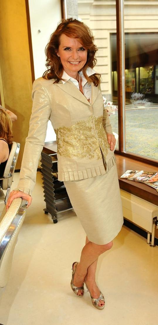 Hana Heřmánková je elegantní dáma.