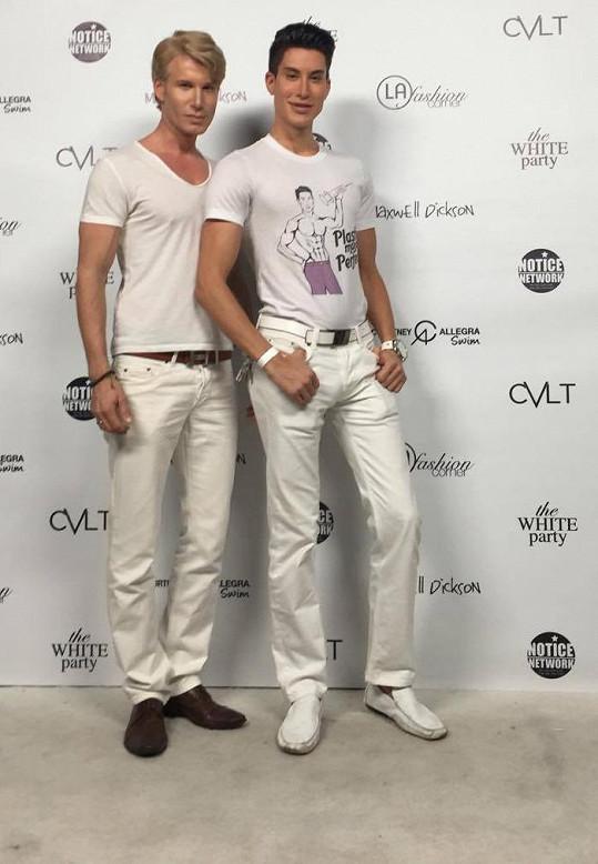 Robert působí v reality show společně s Justinem Jedlicou, potomkem slovenských imigrantů.