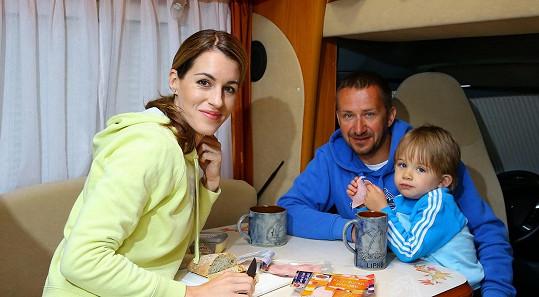 Lucka s manželem a synkem. Oba jsou Davidové.