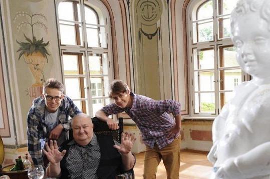 S Pepíčkem Novákem, známým z předchozích Kameňáků, a vnukem Vinckem
