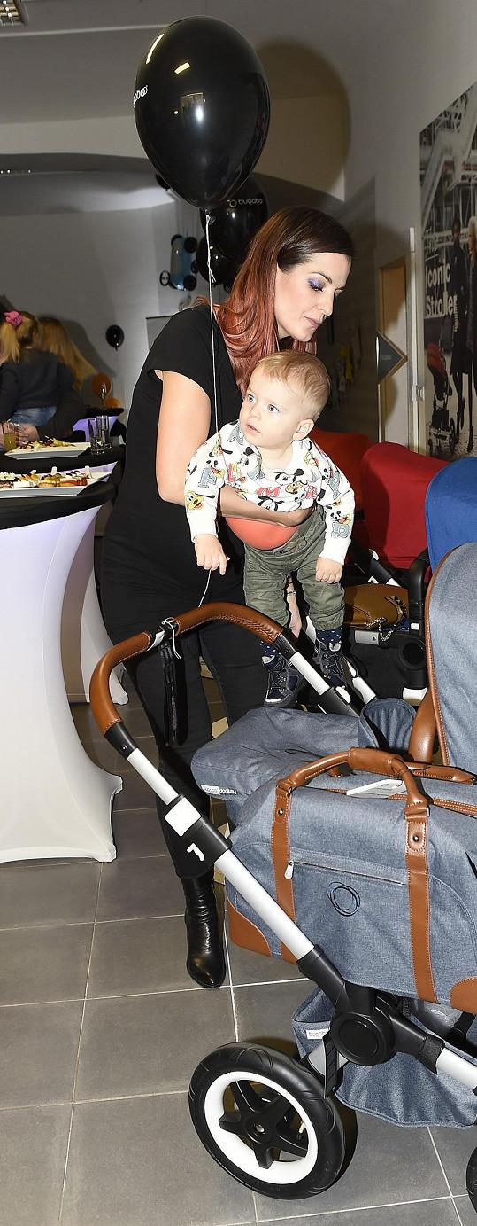 S ročním Adrianem na akci pro nastávající maminky