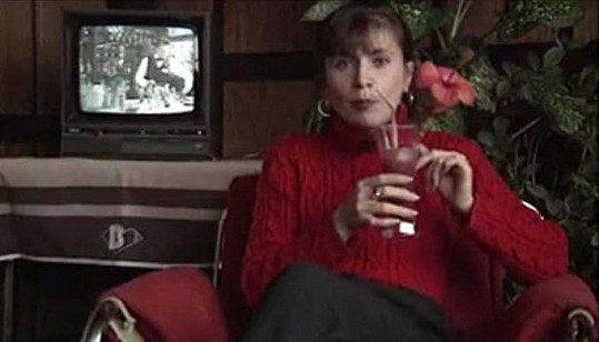 Diváci ji znají jako reportérku a moderátorku hlavní zpravodajské relace, aktuálně provází pořady Toulavá kamera a Gejzír, jejichž je tvůrkyní. Je také autorkou úspěšné 13. komnaty.