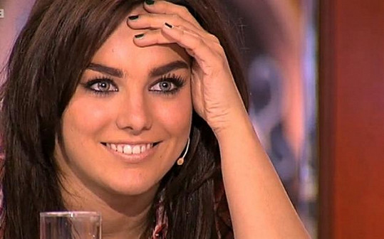 Ewa Farna se zakoukala do sympatického zpěváka.