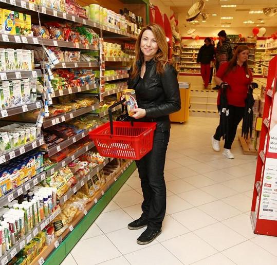 Nicol Lenertová na bohulibém nákupu drogistických výrobků