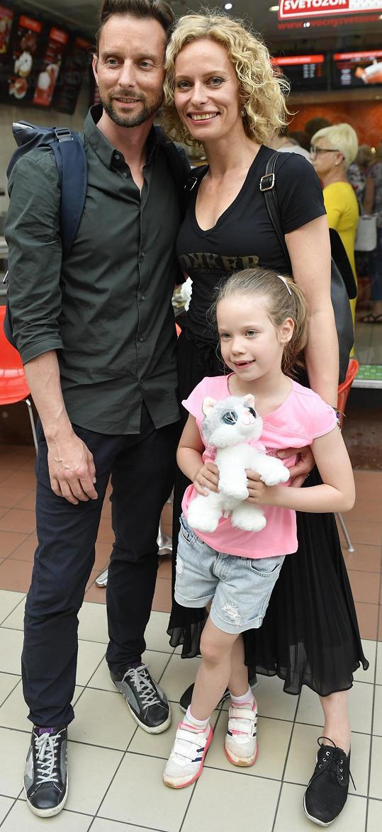 Kristina a Vašek s moderátorčinou dcerou poprvé vyrazili do společnosti znovu jako pár, respektive rodina.