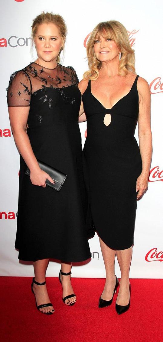 S kolegyní Amy Schumer natočila film Dámská jízda.