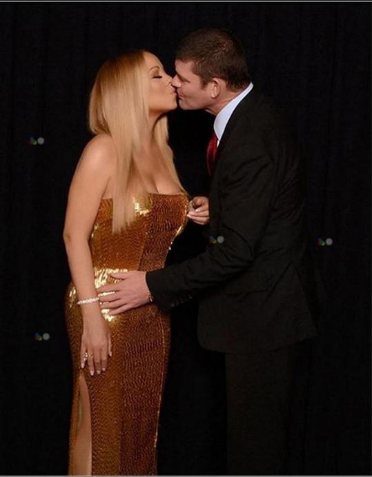 Loni touto dobou byla ještě zasnoubená s miliardářem Jamesem Packerem a toto byl jejich valentýnský snímek...
