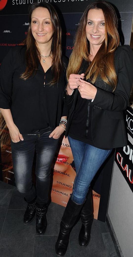 Bendová se svou kamarádkou, vizážistkou a stylistkou Claudií Marčekovou