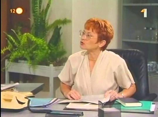 Učitelka Kocourková v seriálu Život na zámku