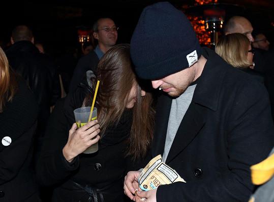 Tereza Voříšková se schovávala před fotografy.