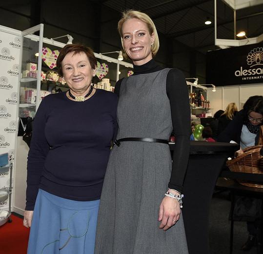 Kristina Kloubková s maminkou Matěje Rupperta Renatou