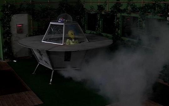 Ve vile po zúčtování přistálo UFO - Regina.