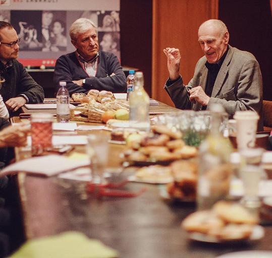 Zleva Guy Roberts, Karel Heřmánek a Martin Hilský